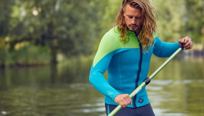Start your paddling the right way with this sharp wetsuit for men
