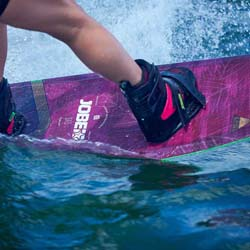 Jobe Armada Coral Red Wakeboard 137 & Drift Set