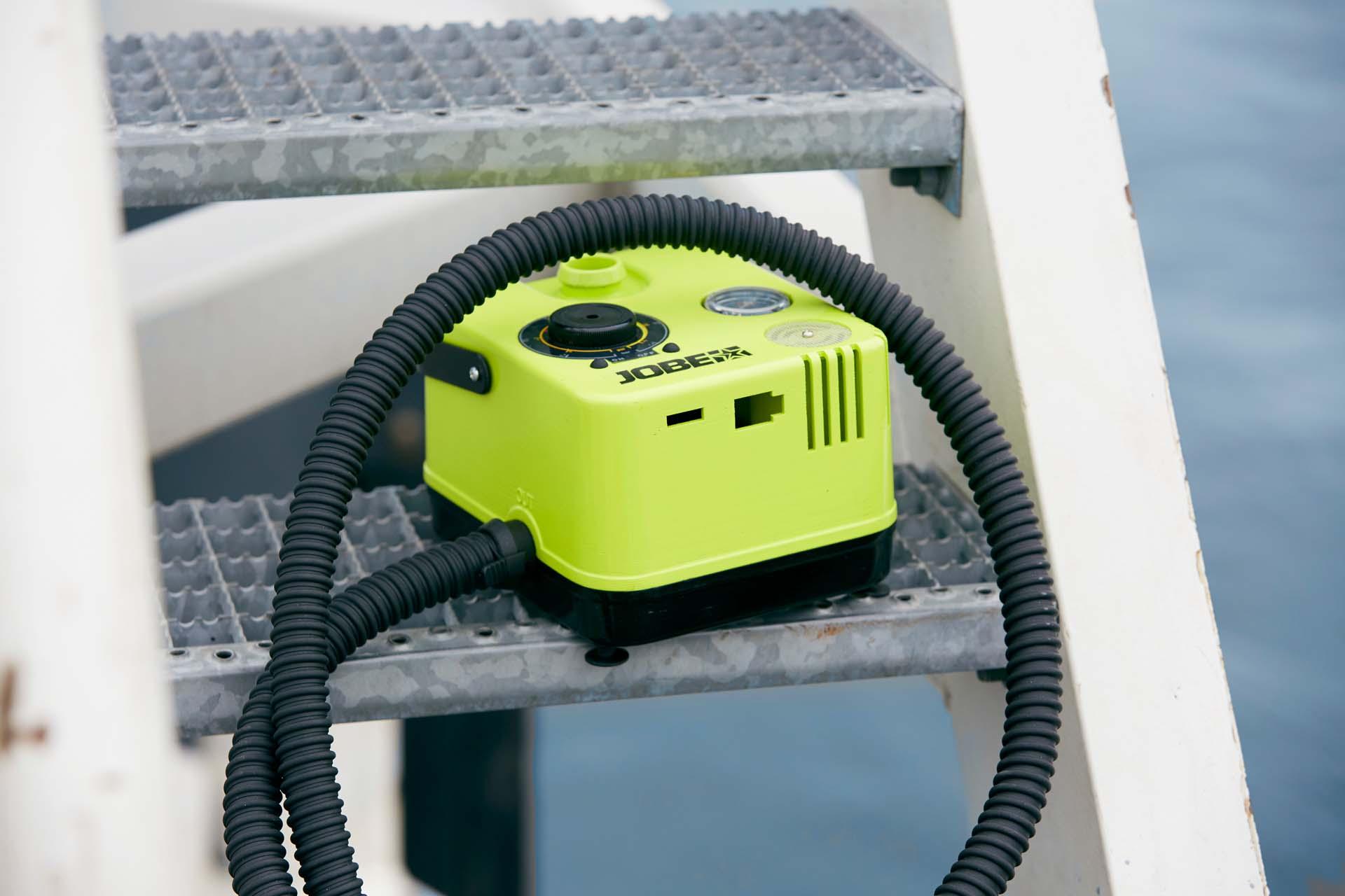 sup pumpe elektrisch awesome grohandel aqua marina luftpumpe handpumpe b fr sup stand up paddle. Black Bedroom Furniture Sets. Home Design Ideas