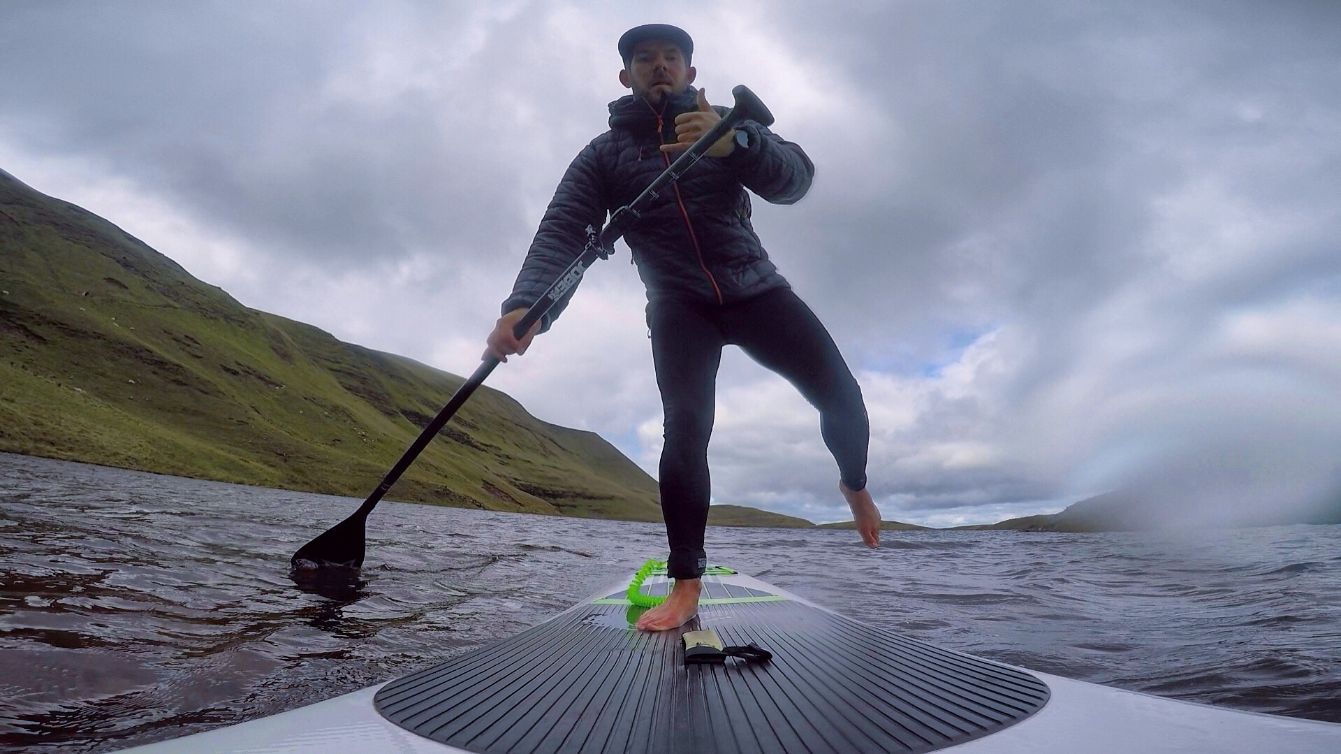 Winter paddle boarding trip: the 2 most beautiful mountain lakes in the south of Wales