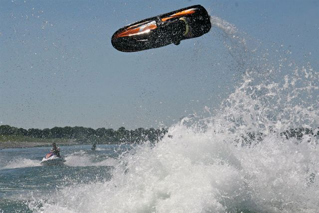 Two Jetski riders have joined the Jobe team!